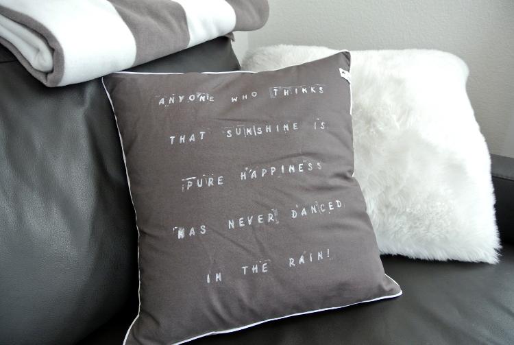 •nähen • und was ich in letzter Zeit alles vollbracht habe - Kissen mit Schriftzug