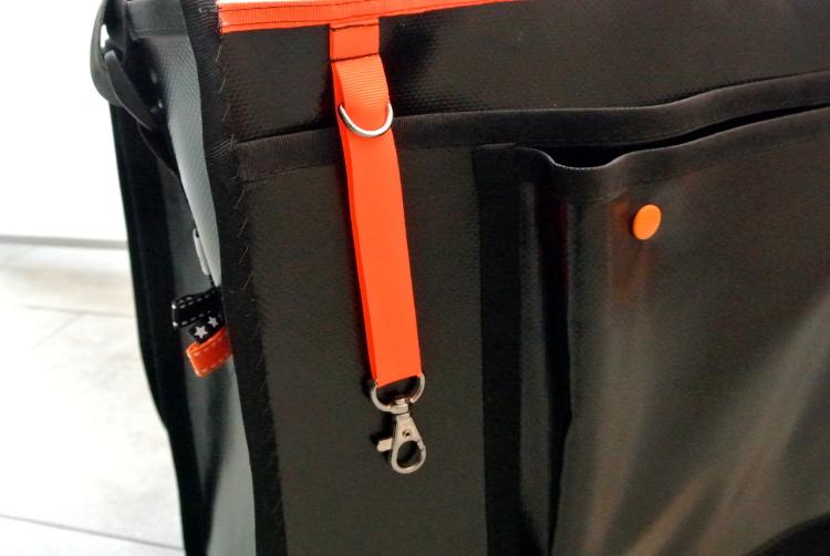 • nähen • Tasche aus Plane mit Schlüsselanhänger