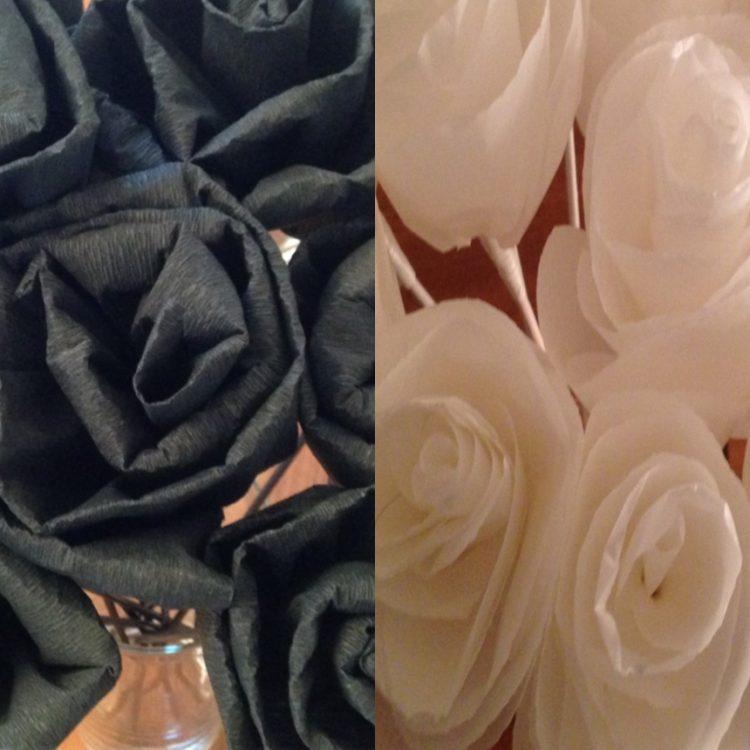 • diy • Black and white Partydeko • schwarze Kreppapierrosen & weisse Seidenpapierrosen