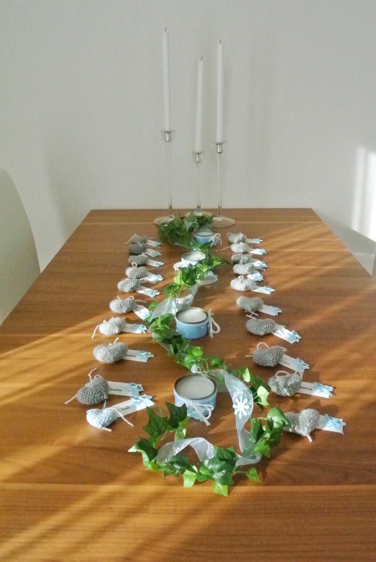 • diy • Tischdeko zur Taufe • Herzen als Platzkarte