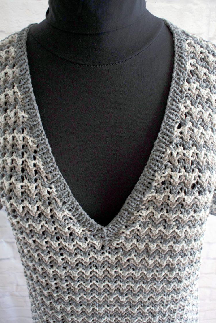 • stricken • kurzarm Pullover im Rippenajourmuster • mit V-Ausschnitt