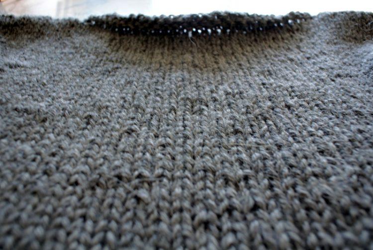 • Wolle & Garn • einfacher Langarmpullover aus Alpakawolle stricken • simpel rechts gestrickt