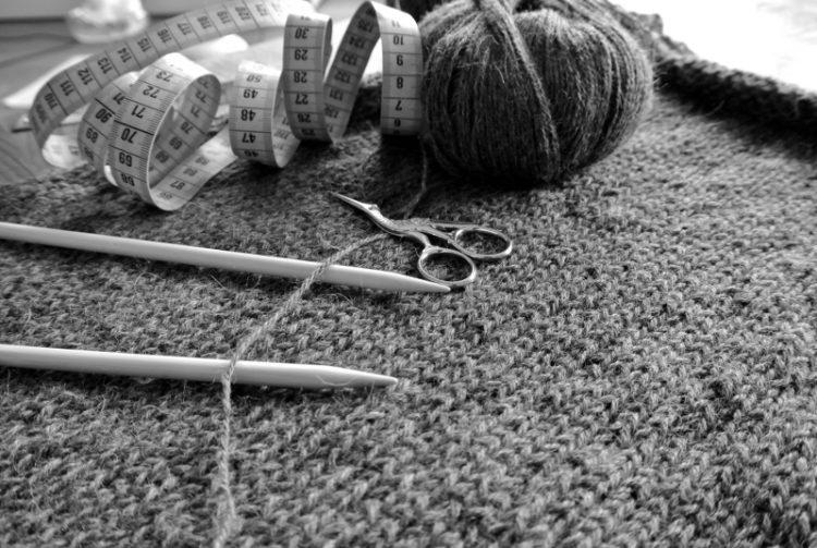 • Wolle & Garn • einfacher Langarmpullover aus Alpakawolle stricken • ein Teil schon fertig - geht doch