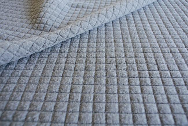 • nähen • Pullover aus weichem Jacquard Jersey • Stoff vorbereiten