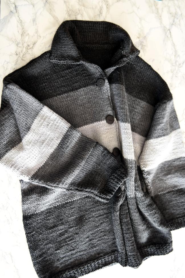 • stricken • Kuschel-Strickjacke im Streifendesign aus Merinowolle • Oversize