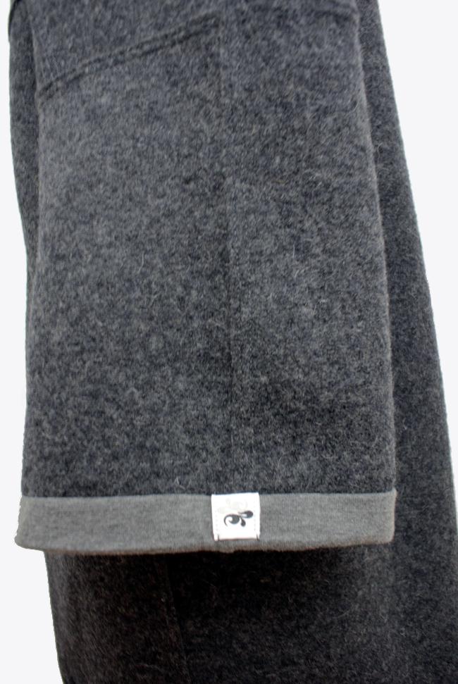 • nähen • Loden- oder Walkwollmantel • der Ärmelsaum mit Bündchenstoff eingefasst