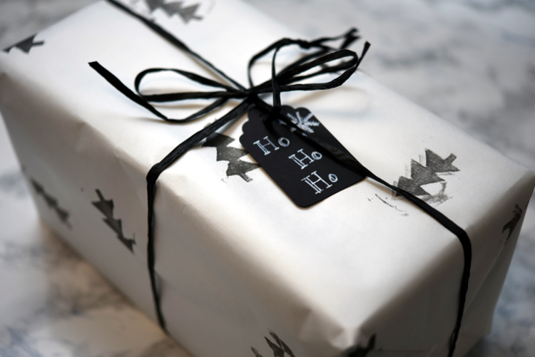 • diy • Geschenkpapier selber designen • Tannenbaum • hübsch verpackt