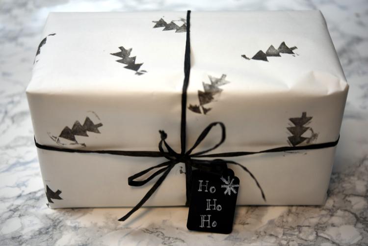 diy geschenkpapier selber designen freude verschenken. Black Bedroom Furniture Sets. Home Design Ideas