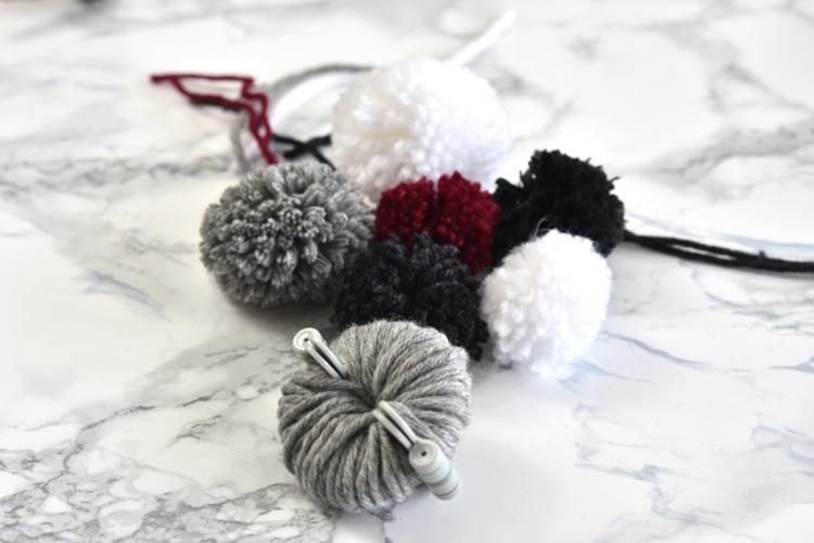 • diy • Pusteblumen aus Wolle • Pommelschablone