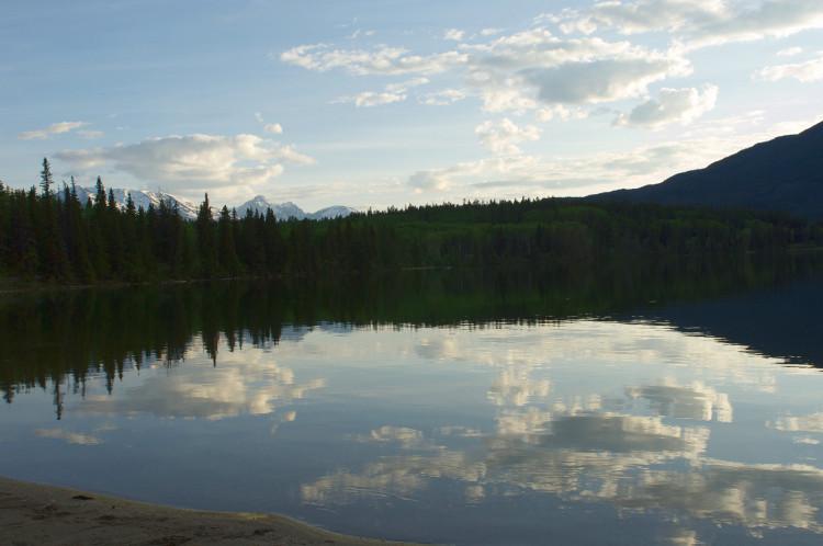 Unterwegs in Kanada auf einen wunderschönen See getroffen