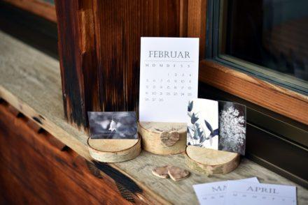 • diy • Halter aus Holzscheiben für deine Lieblingsfotos