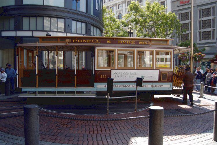 tell a story • unterwegs mit Bus und Bahn • auch in San Francisco
