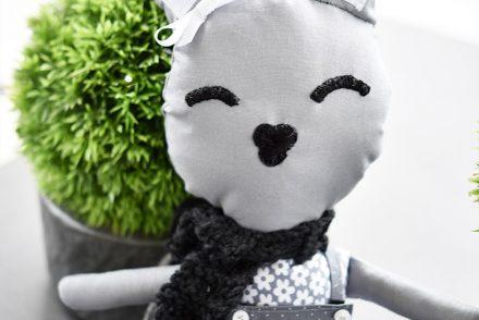 Hase Hanna feiert Titatoni Blog Geburtstag