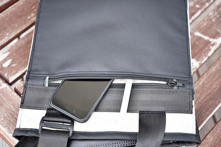 • nähen • TS 4 sew along • Männertasche • Rückseite mit Reissverschlusstasche