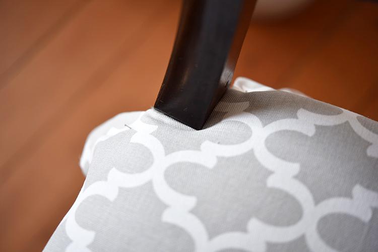 • diy • 5blogs1000Ideen • alter Stuhl neuer Überzug • Nahtzugabe nach innen legen