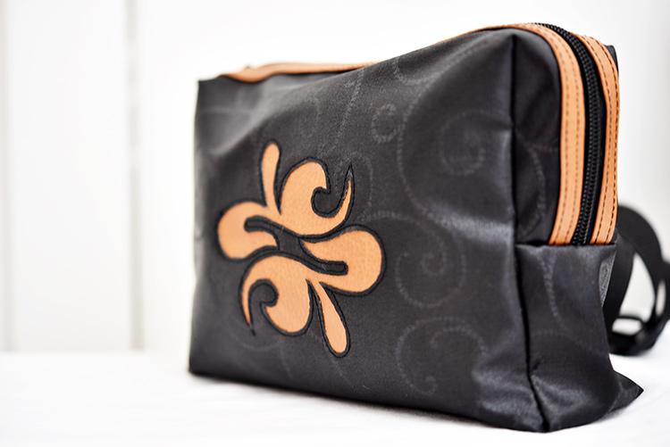 nähen • TS 4 sew along • Hüfttasche • das Logo