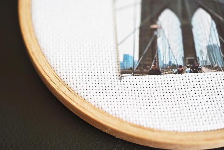 • diy • Mini-Fotos im Stickrahmen • Fotogrösse markieren