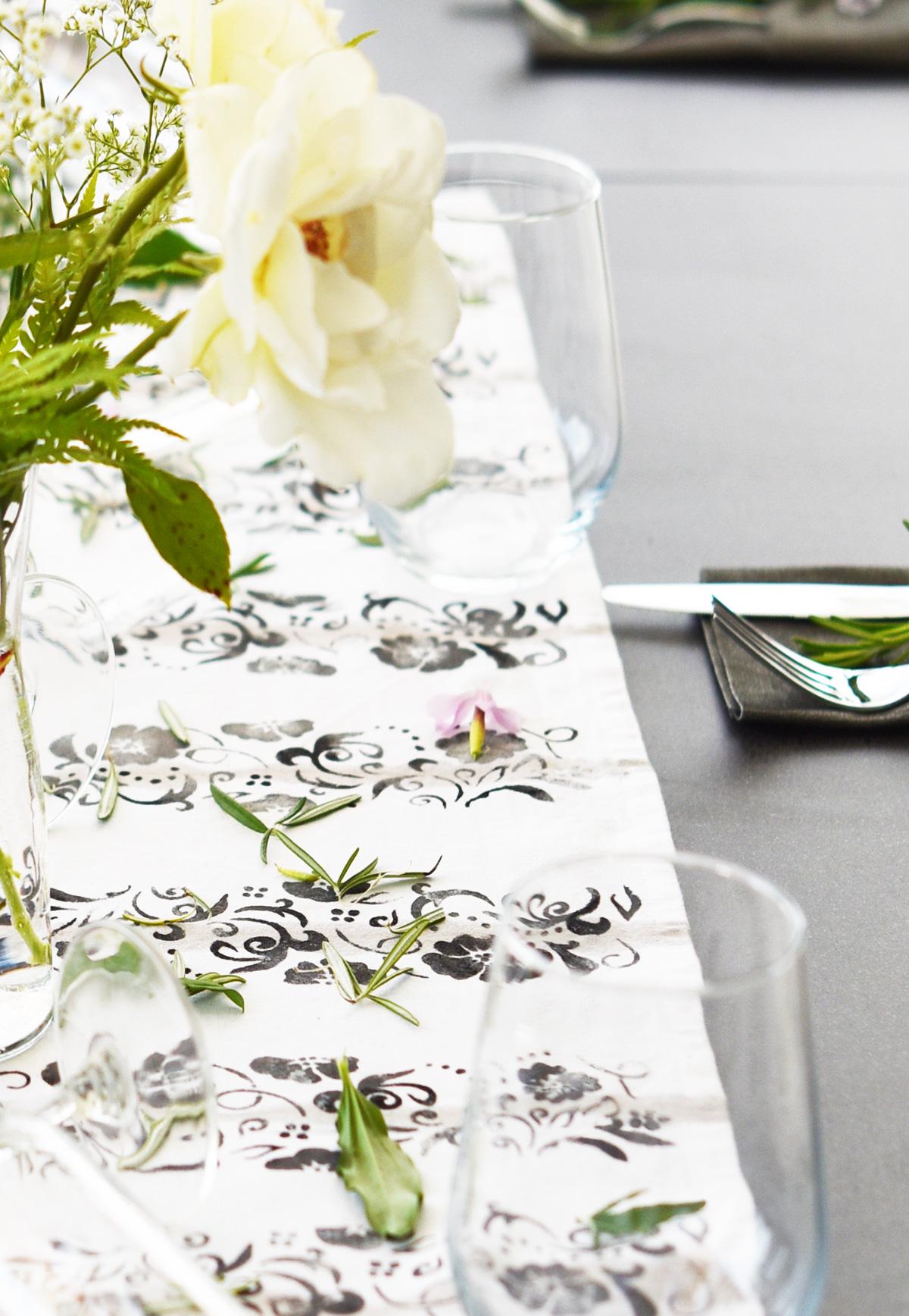• diy • Tischläufer fürs Sommerfest • upcycling • Tischdeko